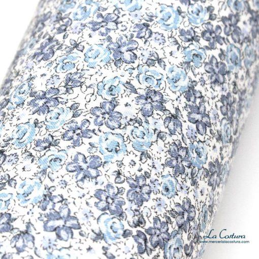 tela-de-viella-con-estampado-de-flores-azules-zoom