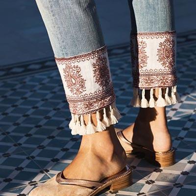 como-customizar-prendas-vaqueras-bajo-pantalones