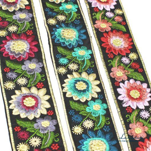 pasamaneria-con-flores-bordadas