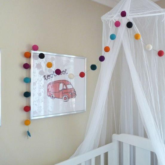 detalles-top-para-el-cuarto-del-bebe-cinta-pompones