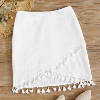 apuesta-por-tu-look-en-blanco-y-customiza-falda