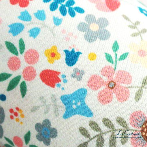 tela-de-algodon-flores-infantiles-detalle