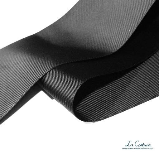 cinta-grosgrain-negra-de-10-cm-detalle
