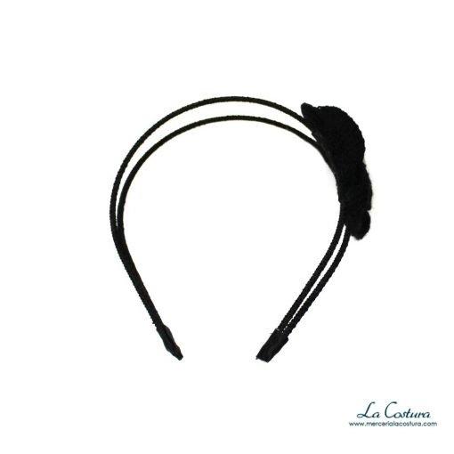 diadema-flor-lana-negro-detalle