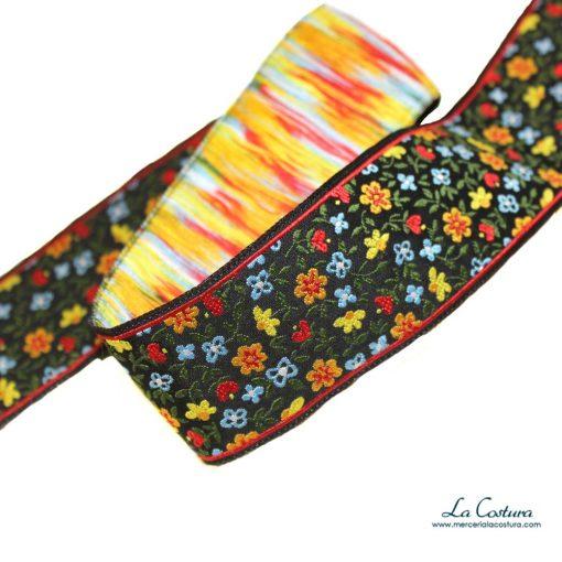 tapacosturas-tejido-estampado-flores-detalle