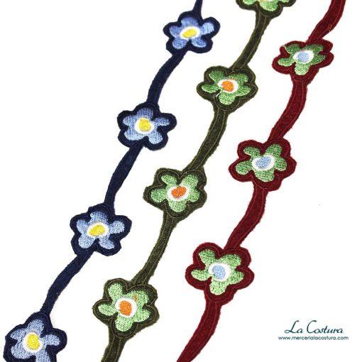 tira-de-flores-bordadas-en-fieltro-zoom