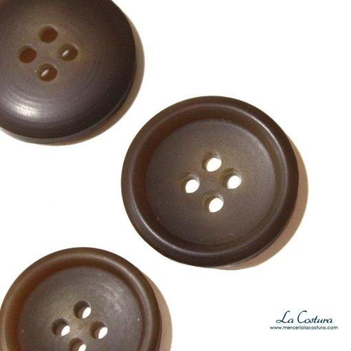boton-pasta-tipo-sastre-marron-claro-zoom